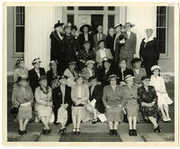 02.006.002 Group photo of Wesleyan alumnae in front of Russell House (duplicate)