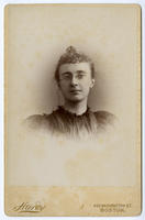 02.001.009 Unidentified portrait of woman